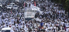 (Bahasa Indonesia) Menyoal Tekanan Massa dalam Kasus Penodaan Agama