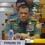 Panglima TNI Jenderal TNI Gatot Nurmantyo sebelum rapat kerja dengan Komisi I DPR, Senin (6/2/2017). Foto: KOMPAS.com/Nabilla Tashandra.