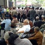 Para lansia yang akan mengikuti seminar. Foto: tirto.id