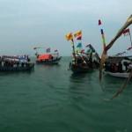 Rangkaian kegiatan sedekah laut seperti pawai ancak dan larungan yang diadakan di Kota Tegal, Jawa Tengah. (Foto: Liputan6.com/Fajar Eko Nugroho)