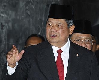 Yudhoyono Urged to Set Up 1998 Human Rights Tribunal