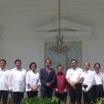 Presiden Joko Widodo dan Wakil Presiden Jusuf Kalla berfoto bersama calon menteri yang akan dilantik di Istana Negara, Rabu (27/7/2016). Sumber : Kompas.com
