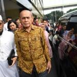 Mantan Kepala Staf Kostrad Mayjen TNI Purn Kivlan Zen (berbatik cokelat). Foto: sindonews.com/ANTARA
