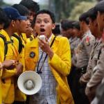 Unjuk rasa mahasiswa. (Illustrasi: www.hipwee.com)