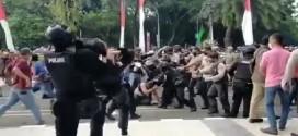 (Bahasa Indonesia)  KONTRADIKSI KONSEP PRESISI POLRI: KEKERASAN DAN DEHUMANISASI PADA PESERTA AKSI
